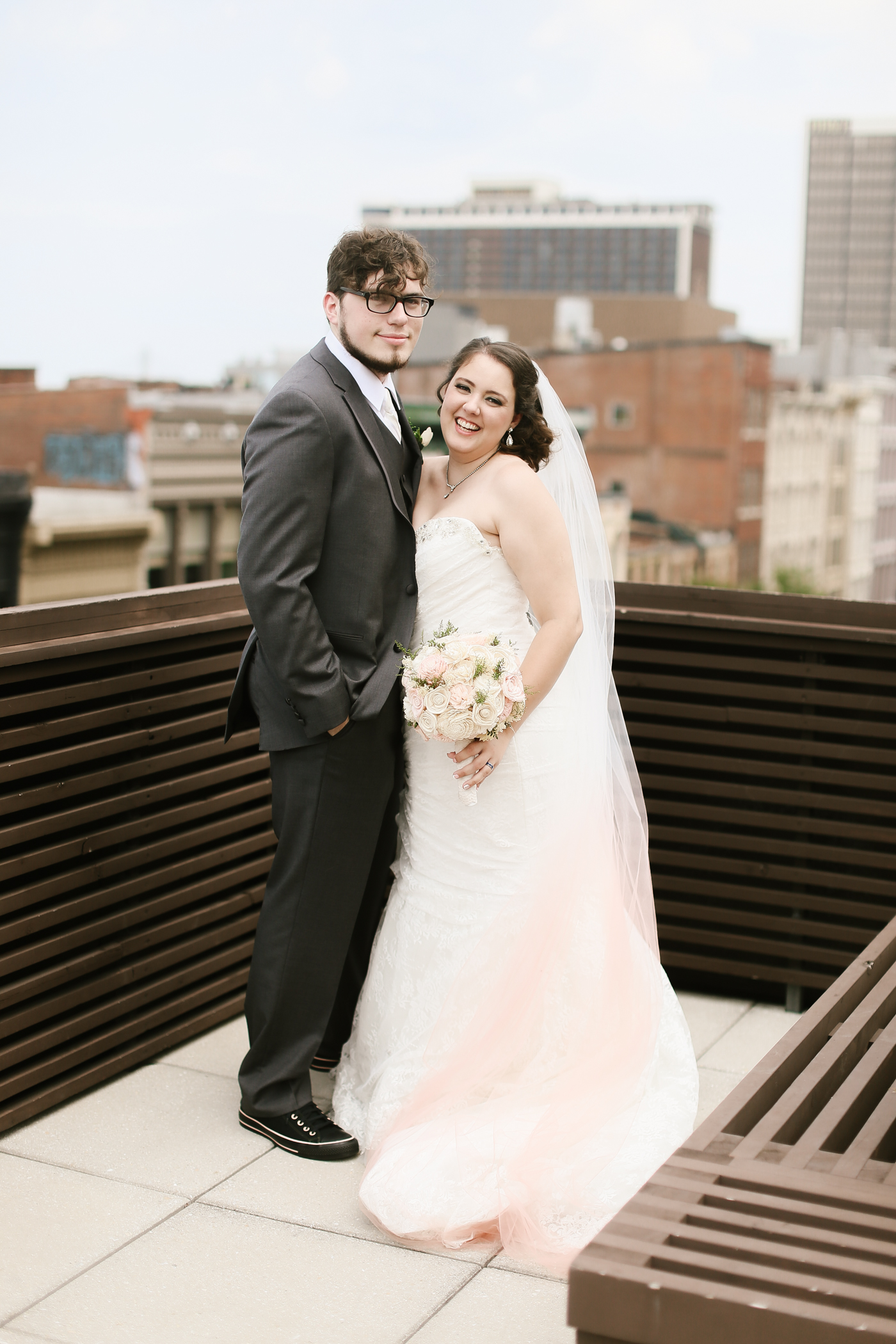 21c-rooftop-Louisville-elegant-kentucky-chicago-wedding-314.jpg