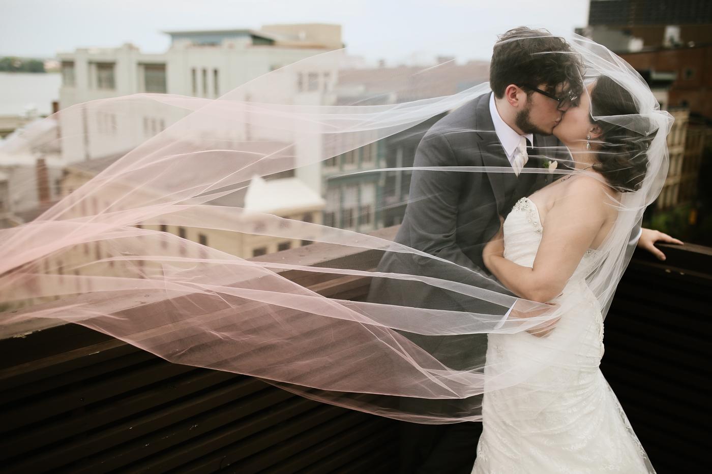 21c-rooftop-Louisville-elegant-kentucky-chicago-wedding-339.jpg