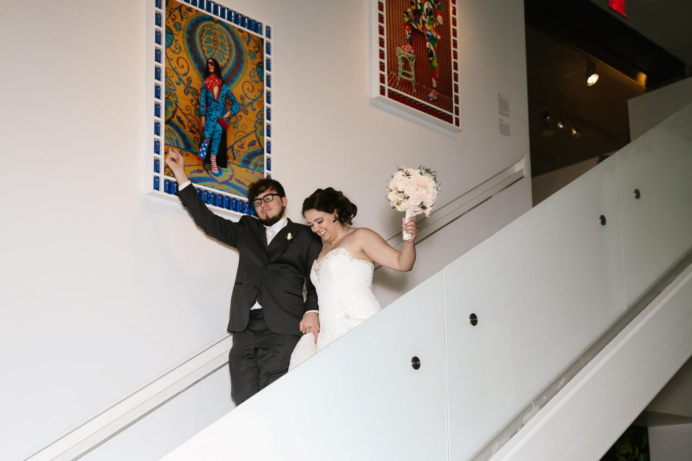 21c-rooftop-Louisville-elegant-kentucky-chicago-wedding-366.jpg