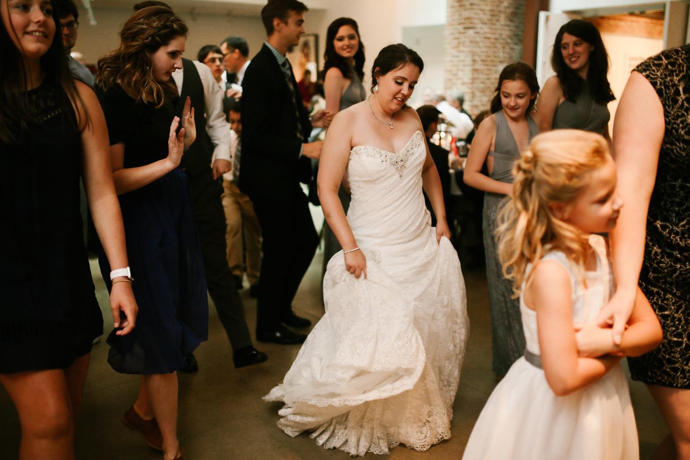 21c-rooftop-Louisville-elegant-kentucky-chicago-wedding-460.jpg