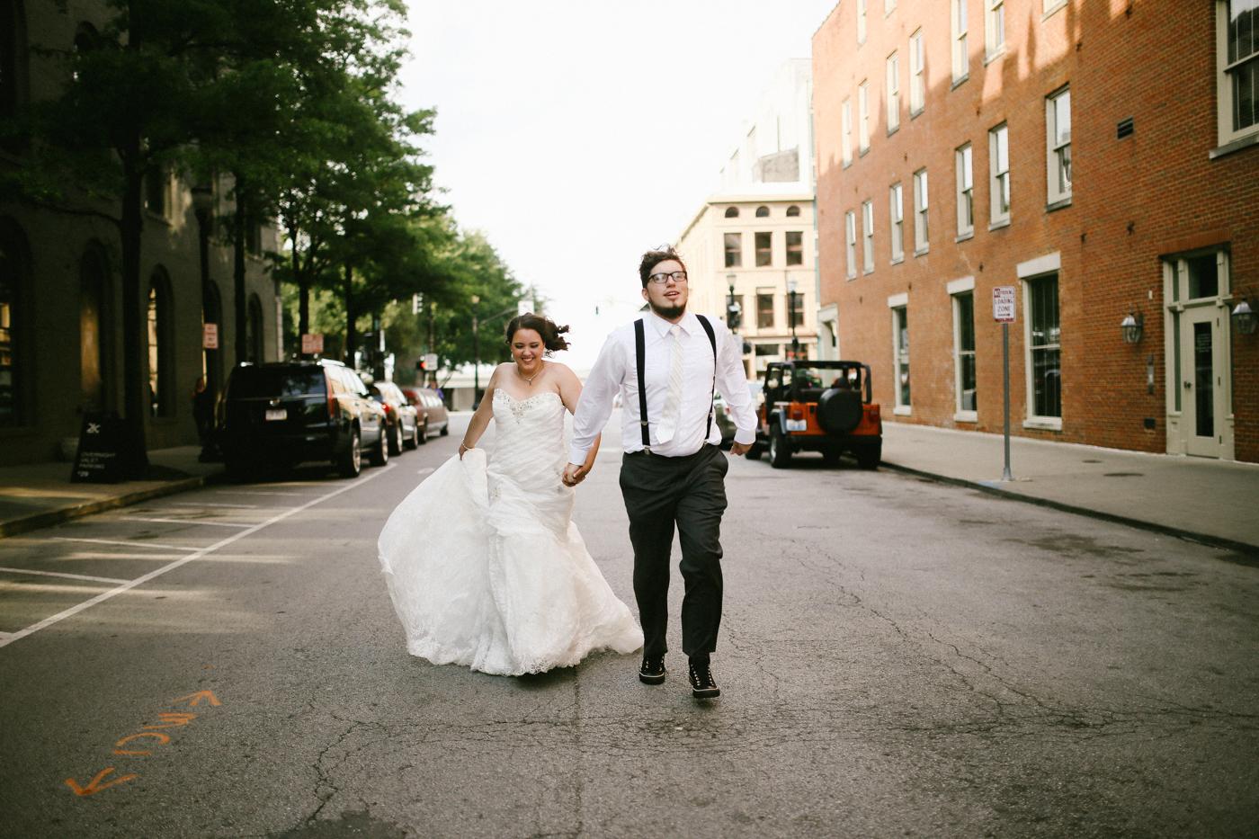 21c-rooftop-Louisville-elegant-kentucky-chicago-wedding-544.jpg