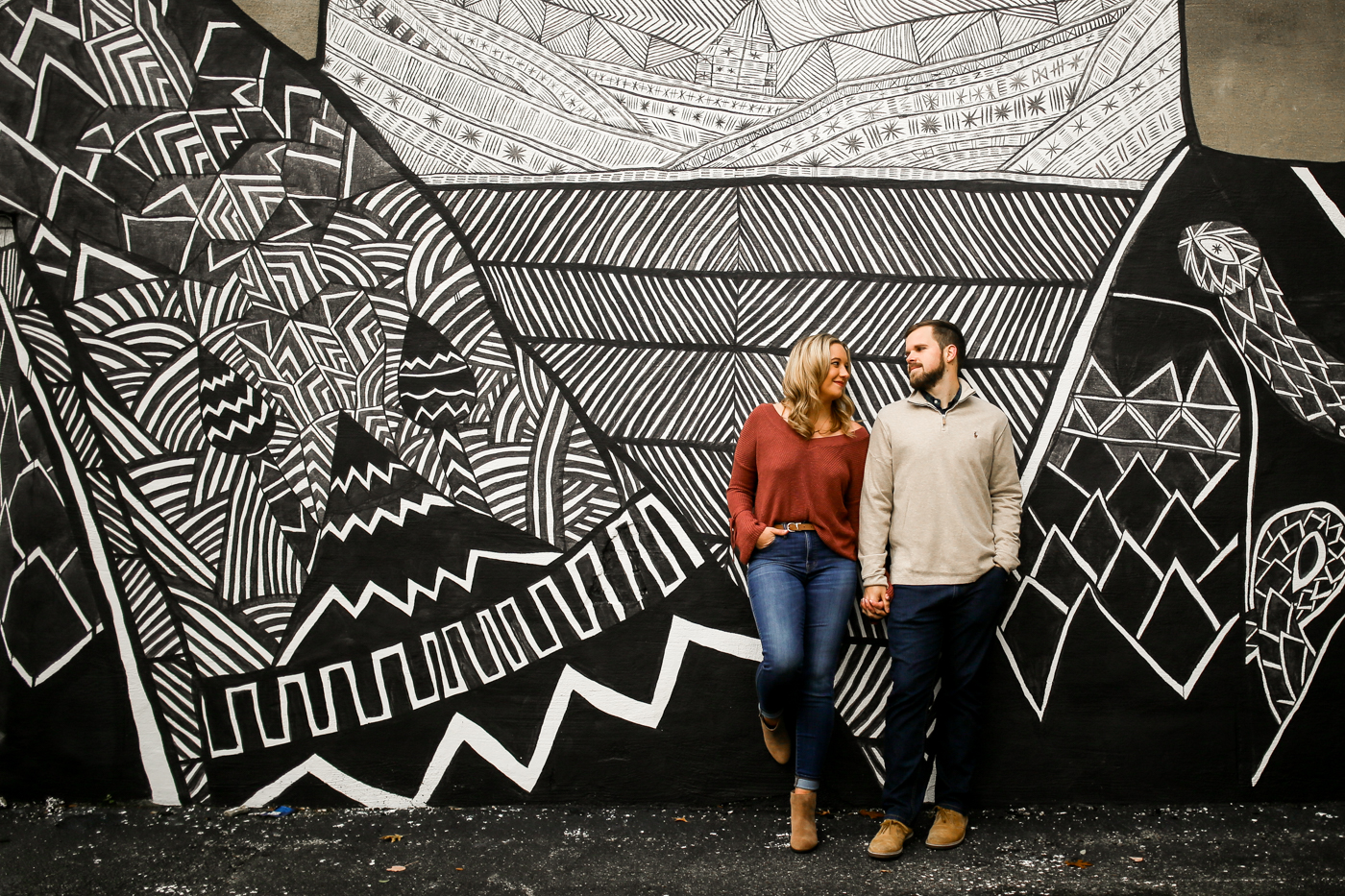 Downtown-Lexington-Mural-Prhtbn-Dog-Engagement-Wedding-Photography-11.jpg