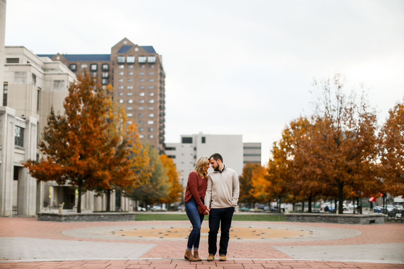 Downtown-Lexington-Mural-Prhtbn-Dog-Engagement-Wedding-Photography-18.jpg