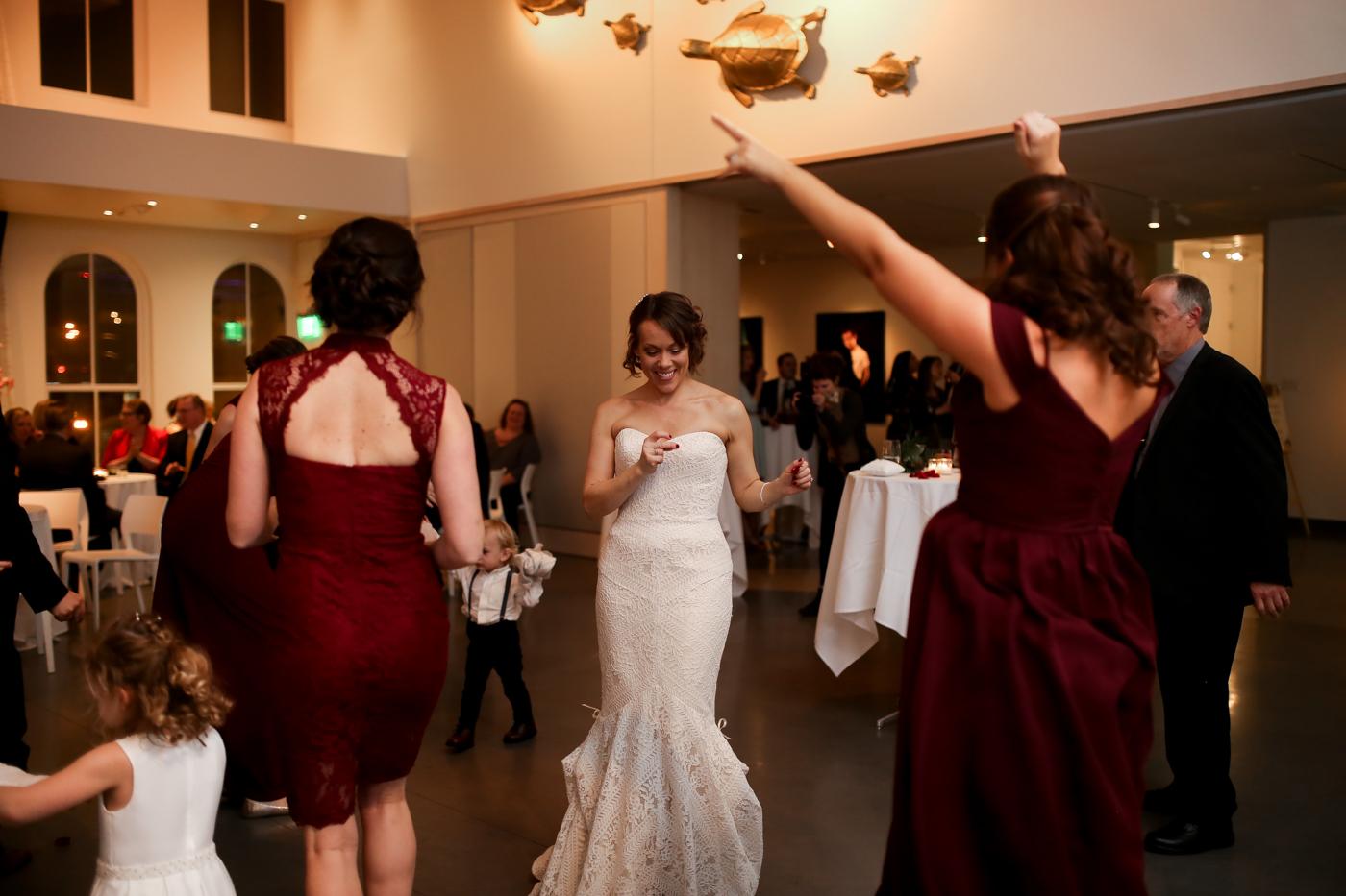 21C-Museum-Hotel-Lexington-Kentucky-Best-Wedding-Photographer-26.jpg