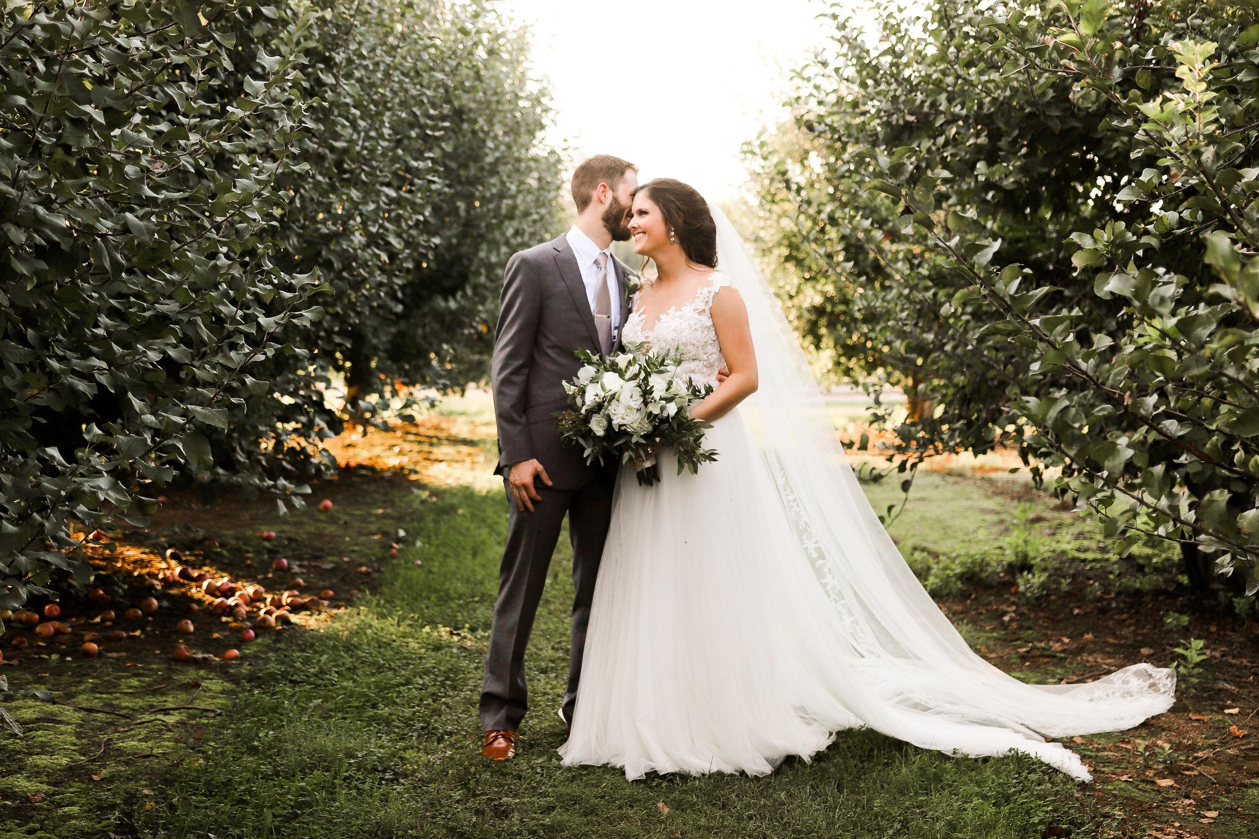 Evans-Orchard-Lexington-Kentucky-Fall-Wedding-22.jpg