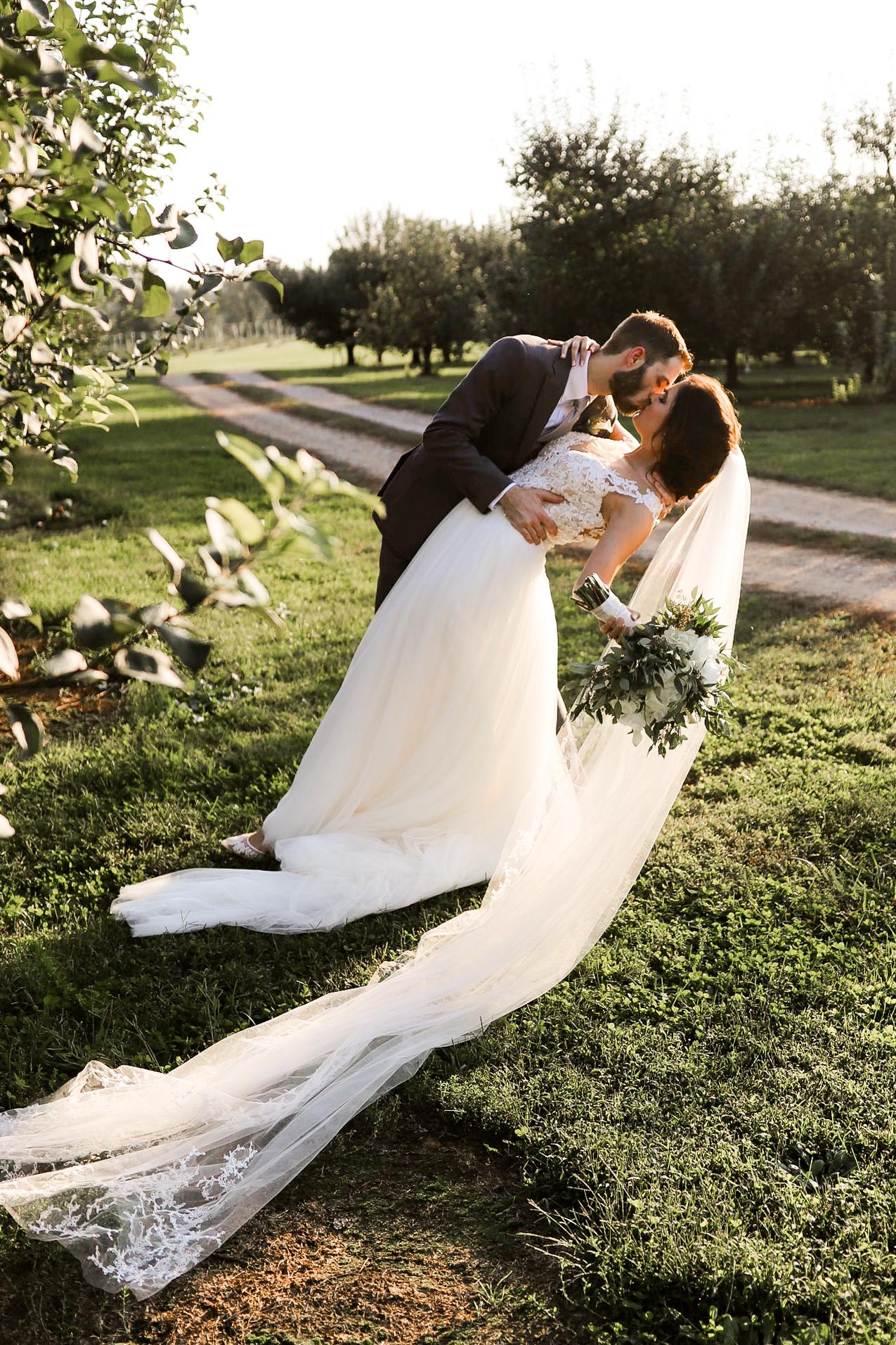 Evans-Orchard-Lexington-Kentucky-Fall-Wedding-24.jpg