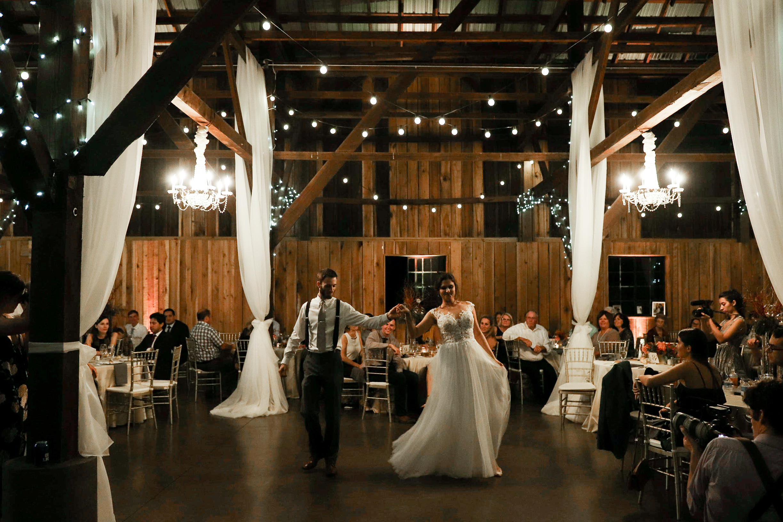 Evans-Orchard-Lexington-Kentucky-Fall-Wedding-37.jpg