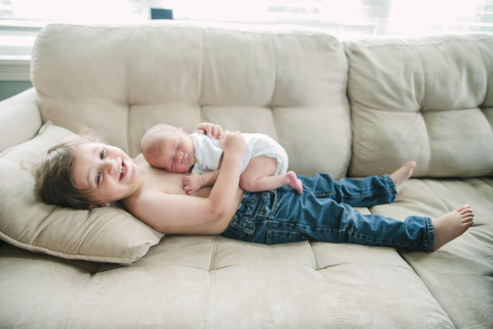 toddler-hugs-baby-brother