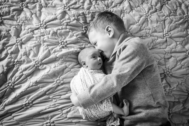 big-brother-with-newborn-chicago-newborn-photography-.jpg