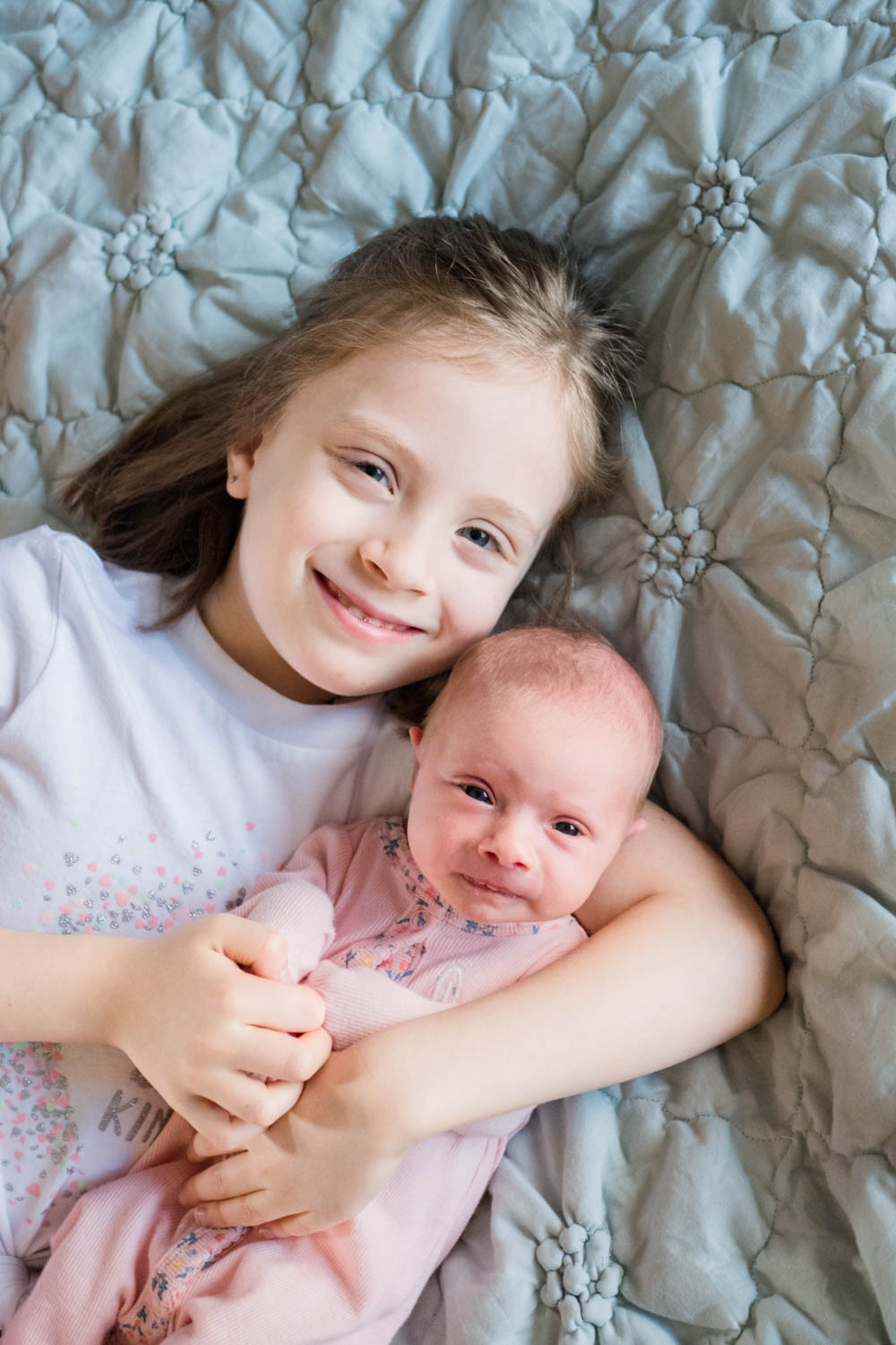 sister-with-newborn-photograph-chicago--4.jpg