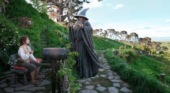 A wizard shows up to ruin a quiet life. (The Hobbit,2012)