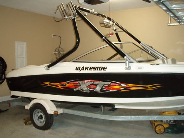 Wakeboard Tower on a 2004 Bayliner 175