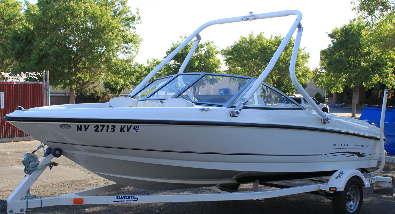 Wakeboard tower on a 2005 bayliner 175
