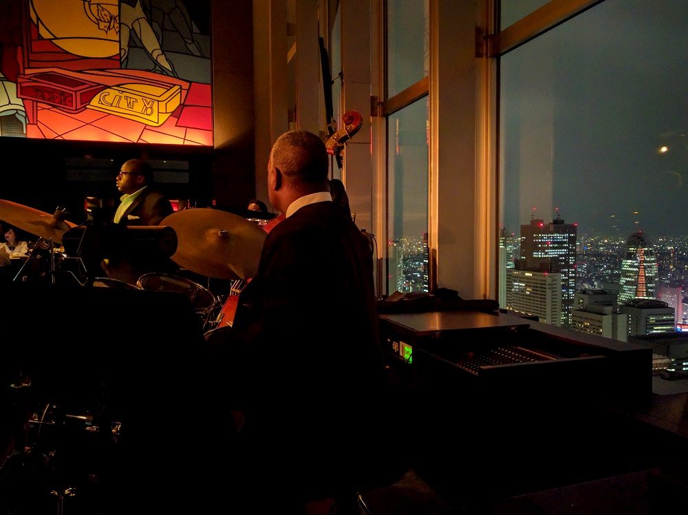 Nightly jazz at the New York Bar of the Park Hyatt Tokyo