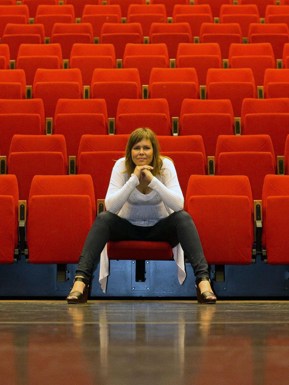 Nathalie Theater Rood_klein.jpg
