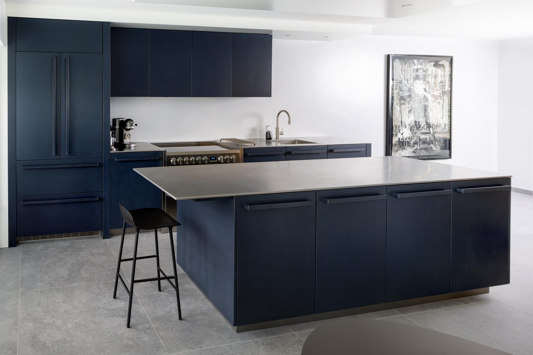 Handgemaakte-keuken-blauwstaal-fredconstant