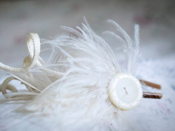 The perfect accessory for a relaxed bride