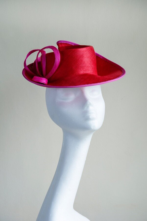 Red Parabuntal percher hat.jpg