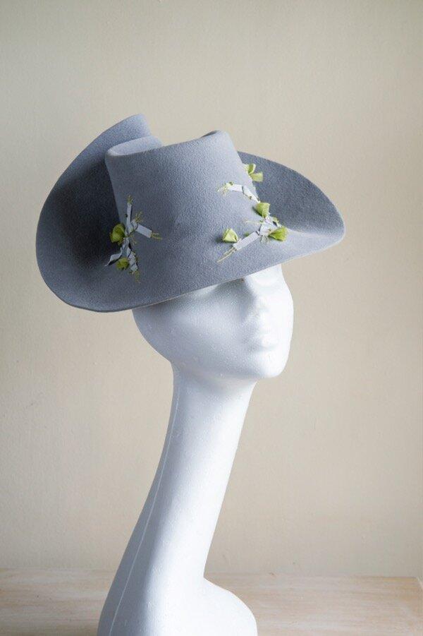 Peachbloom grey felt percher hat.jpg