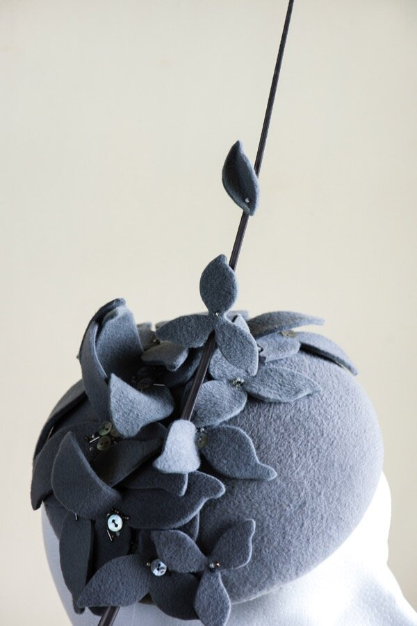 Grey peachbloom felt button hat Copy.jpg