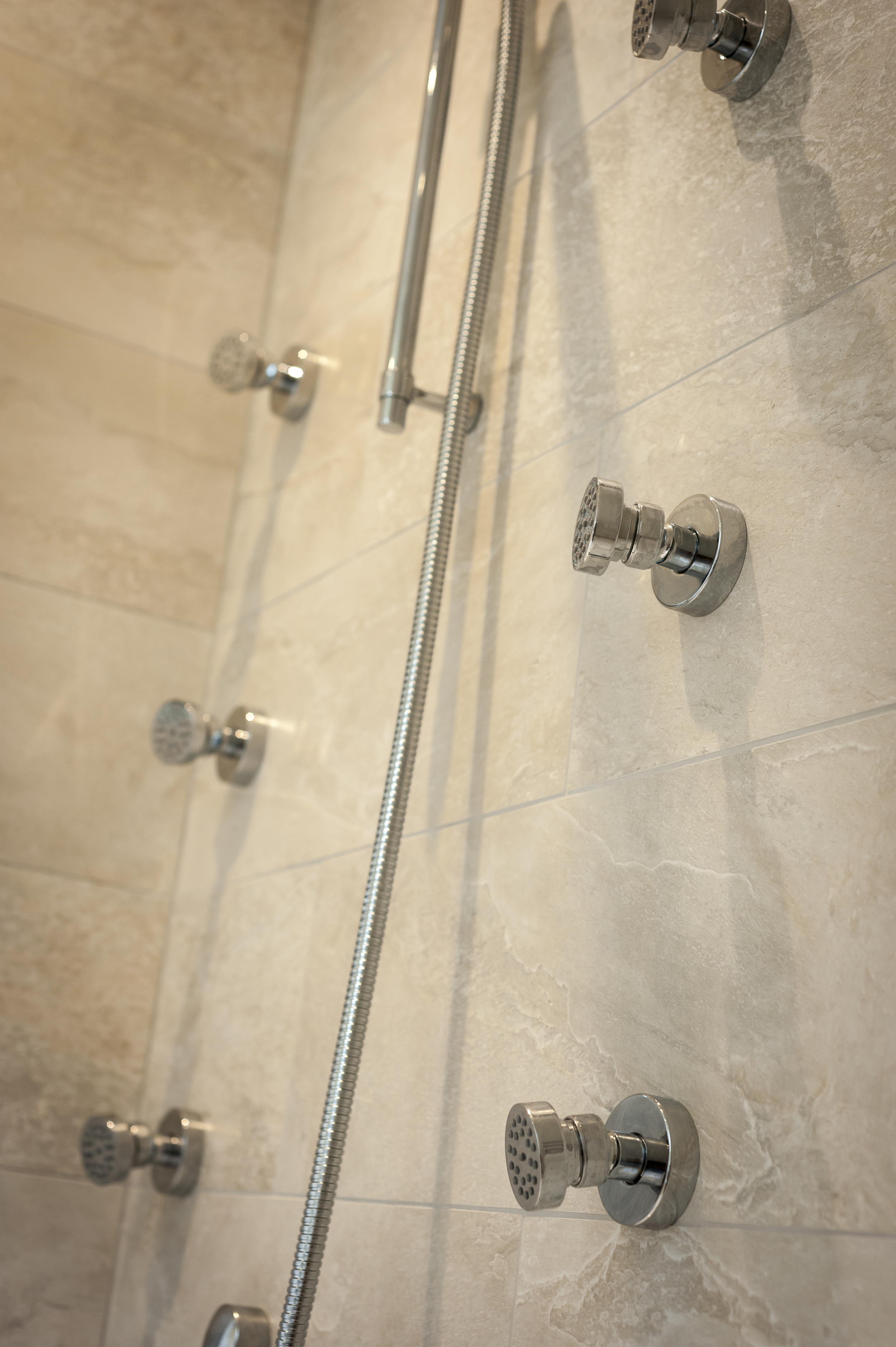Walk-in Shower with Body Jets