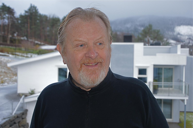 – Målet må vera at det nye regionsenteret og den største tettstaden i Kvinnherad får hotelldrift igjen innan 3 – 4 år, seier Jan B. Ingvaldsen.