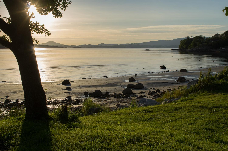 Vakker kveld i Sandvikjo på Halsnøy.