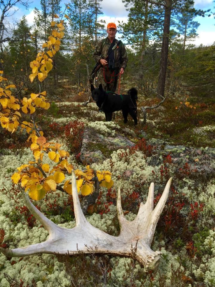 Kjell Ove Medhus med hunden Ella.
