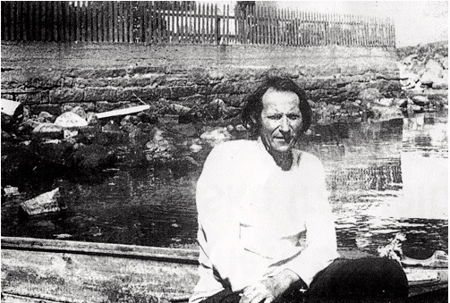 – Av alle dei menneske eg har møtt, var det truleg ingen annan som likna meir på Henrik Ibsens Peer Gynt enn Tjerand Aske, skriv artikkelforfattaren. (Fotograf ukjend).