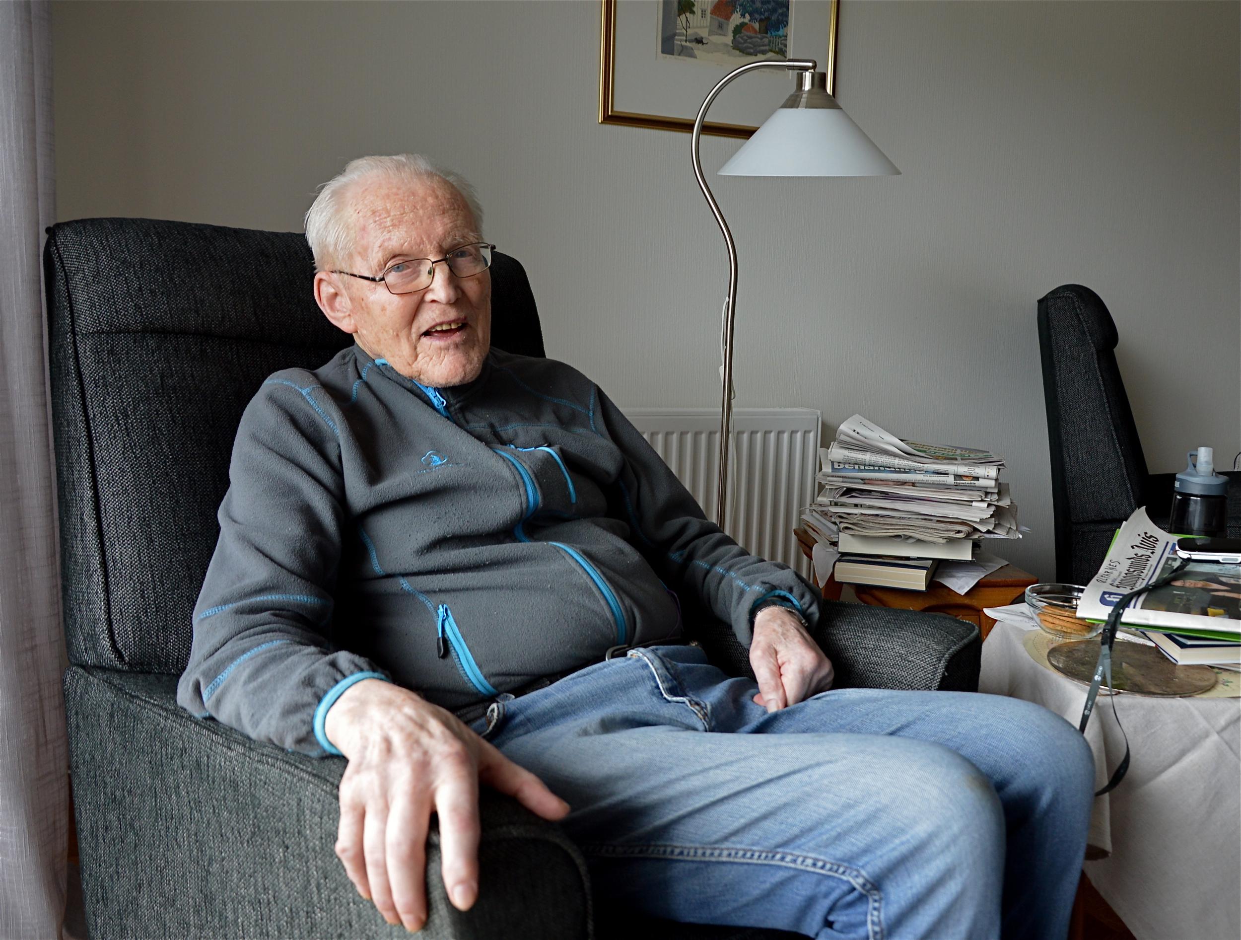 – Livet er ikkje så verst, sjølv om helsa mi kunne vore betre, seier 90-åringen Arnfinn Ølfarnes.