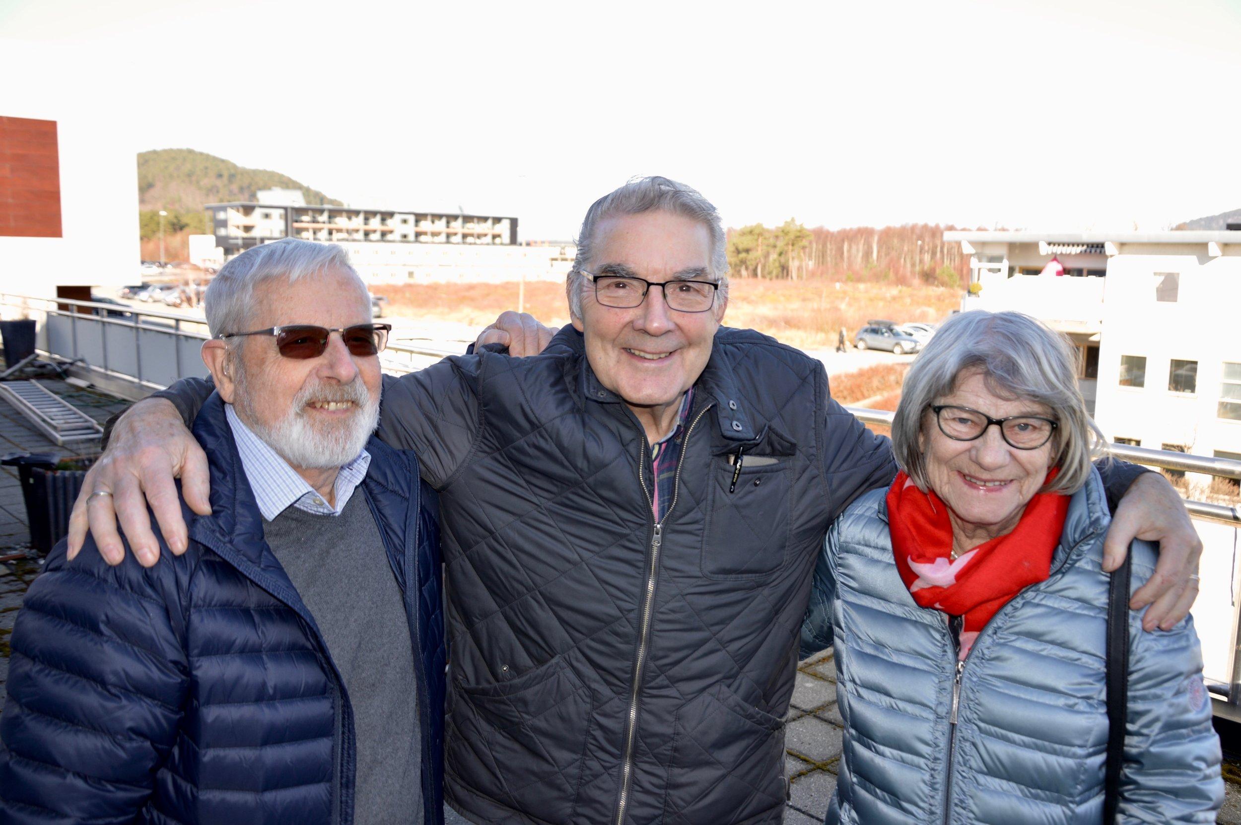Otto Blokhus, Roald Teigen og Aud Sigrun Fausk er blant dei som no arbeider for eit seniorsenter på Husnes.