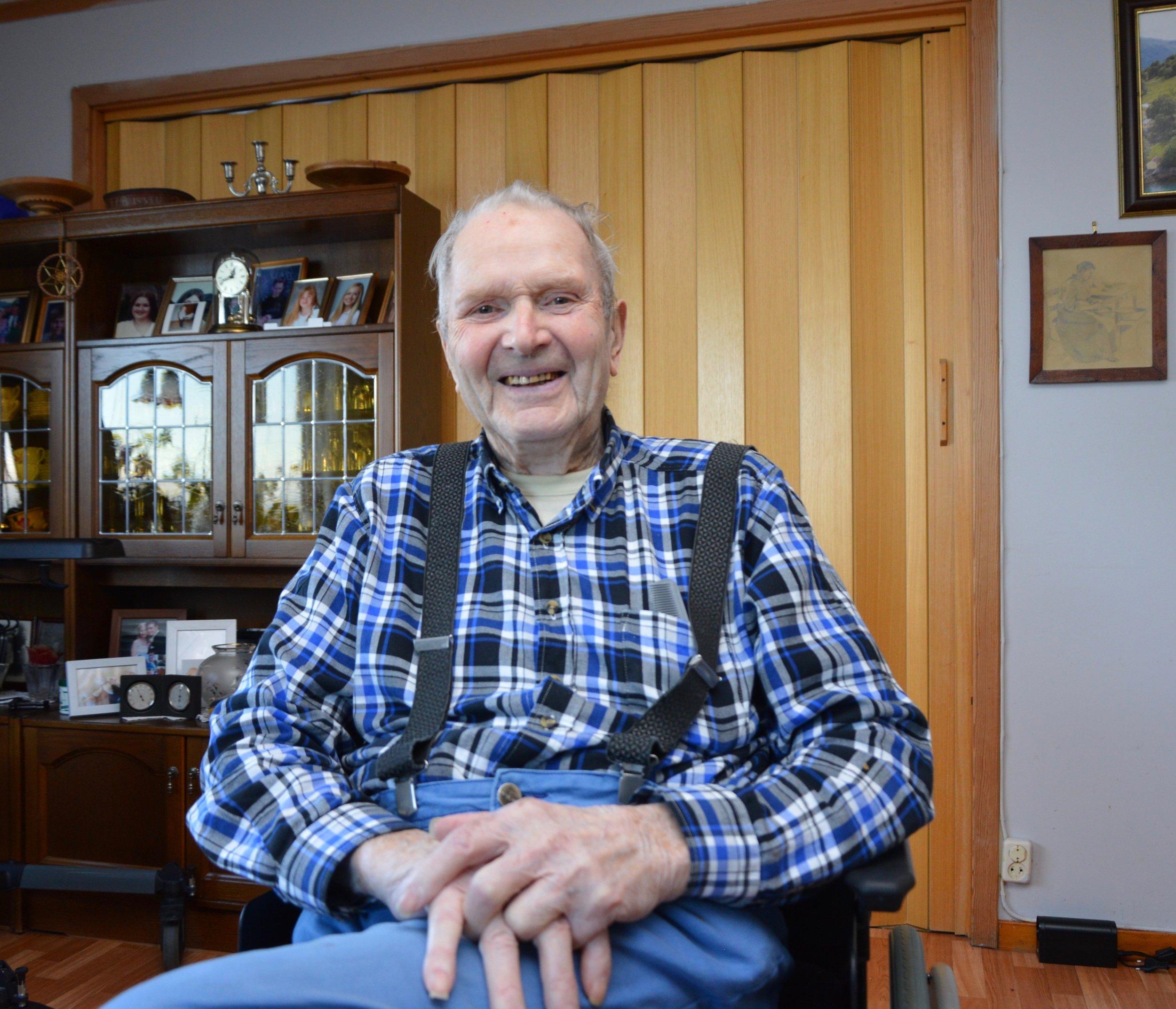 Peder Ljosnes (89) hadde ein personleg og nær kontakt med dokter Haugen. (Foto: Kristian Hus)