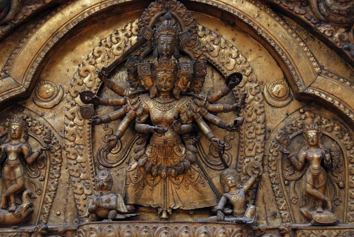 kathmandu-bhaktapur-04-3-bhaktapur-durbar-square-golden-gate-torana-taleju-bhawani-close-up.jpg