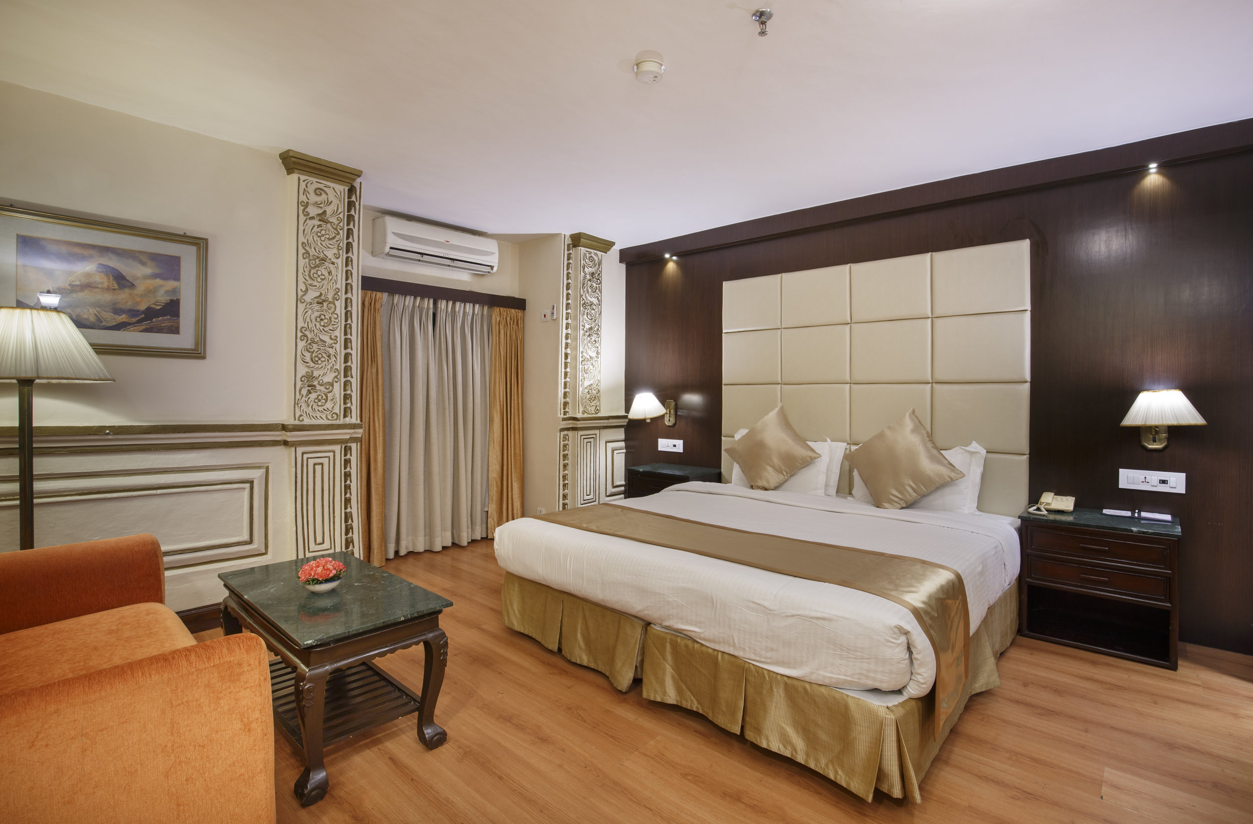 DELUXE DOUBLE OR TWIN ROOMS (King Size Bed OR Twin Bed)