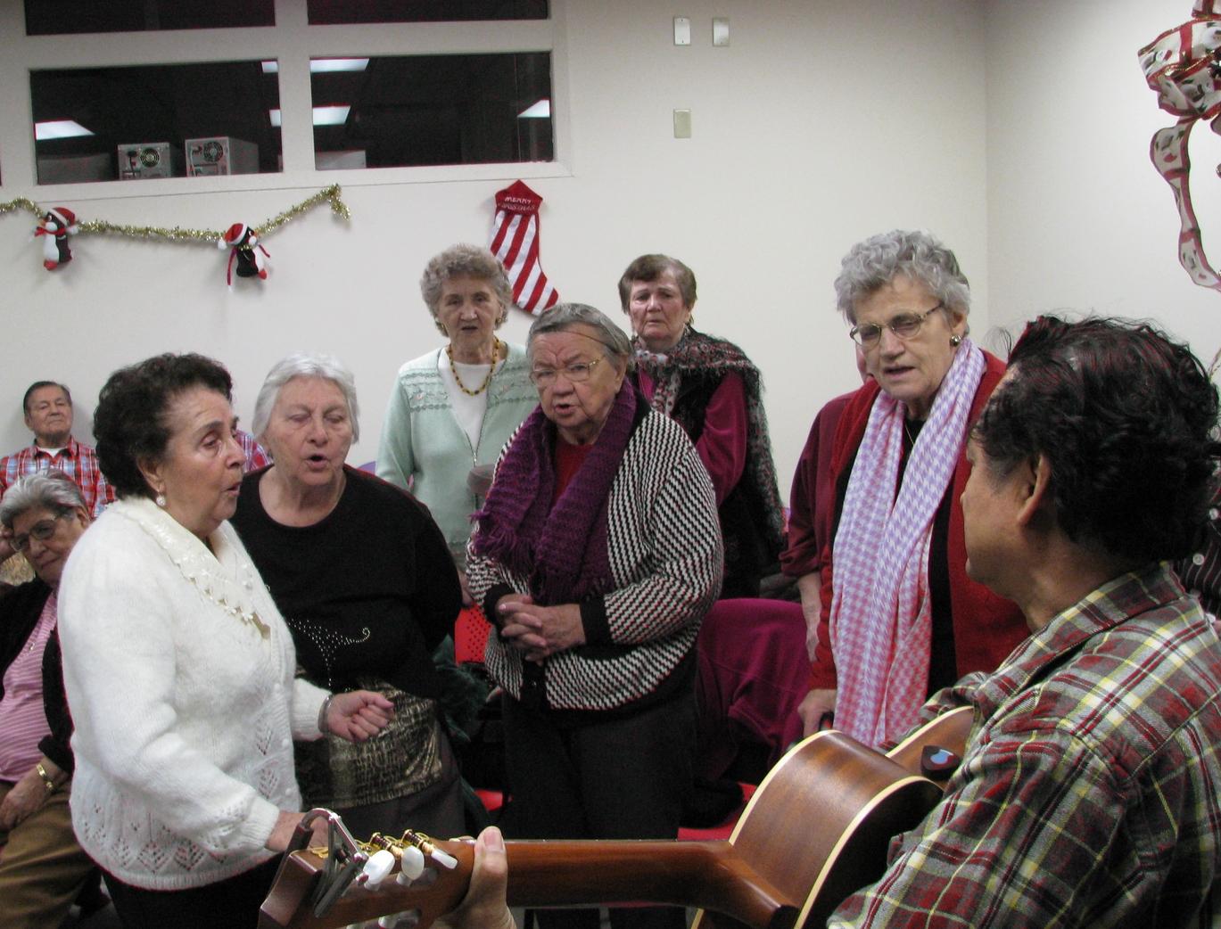 seniors drop-in christmas 2009.jpg