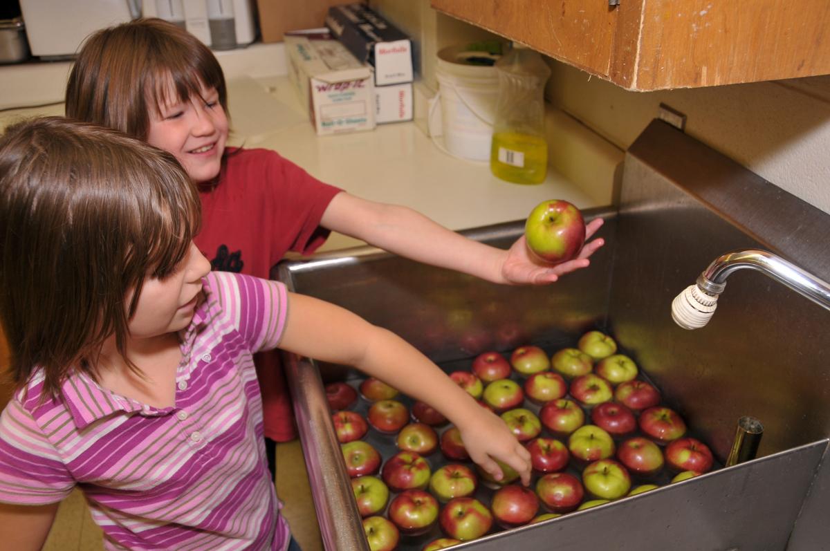 children's nutrition and learning program 2009.jpg
