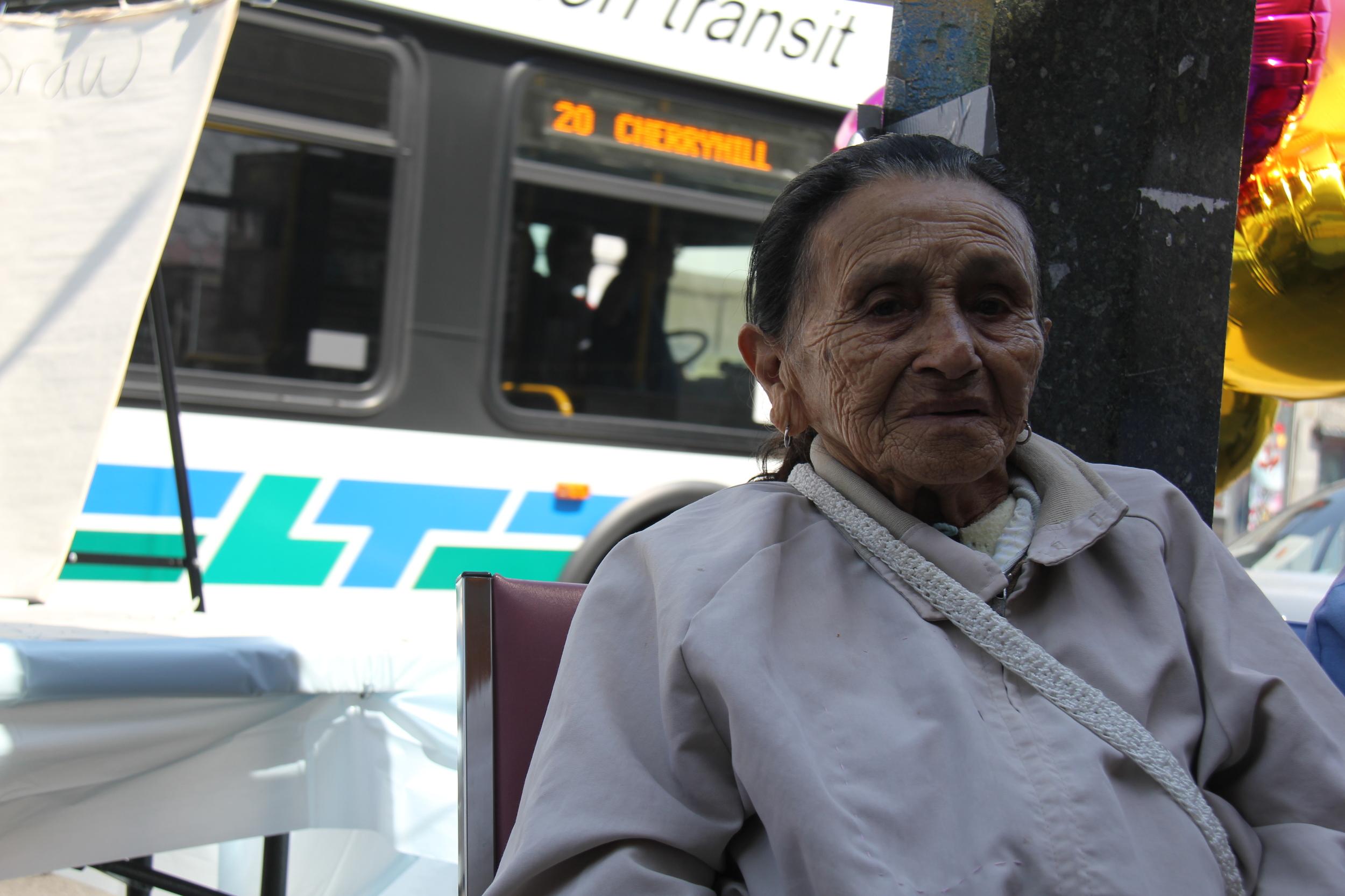 seniors waiting for bus.JPG