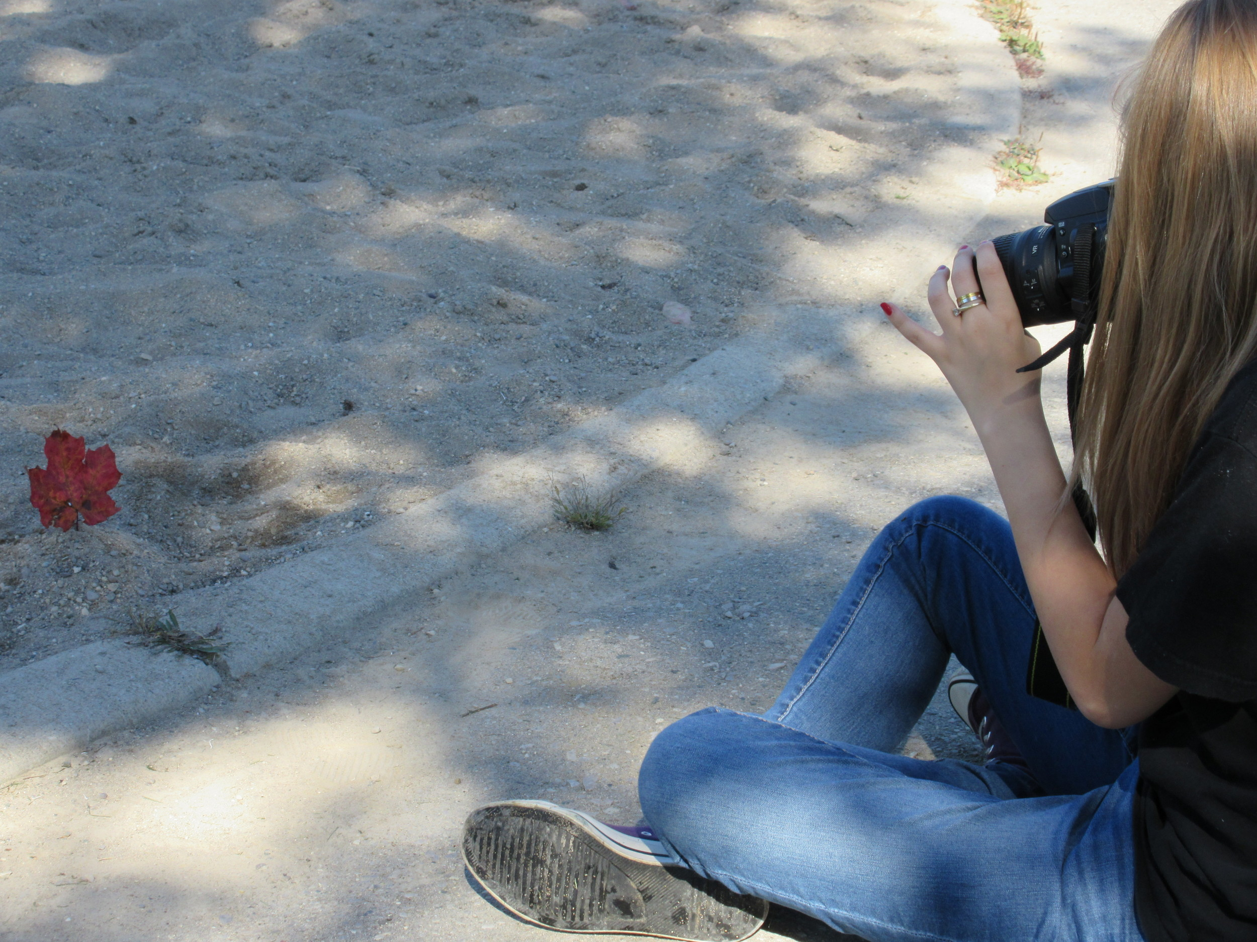 Jessica and her friend love photography.