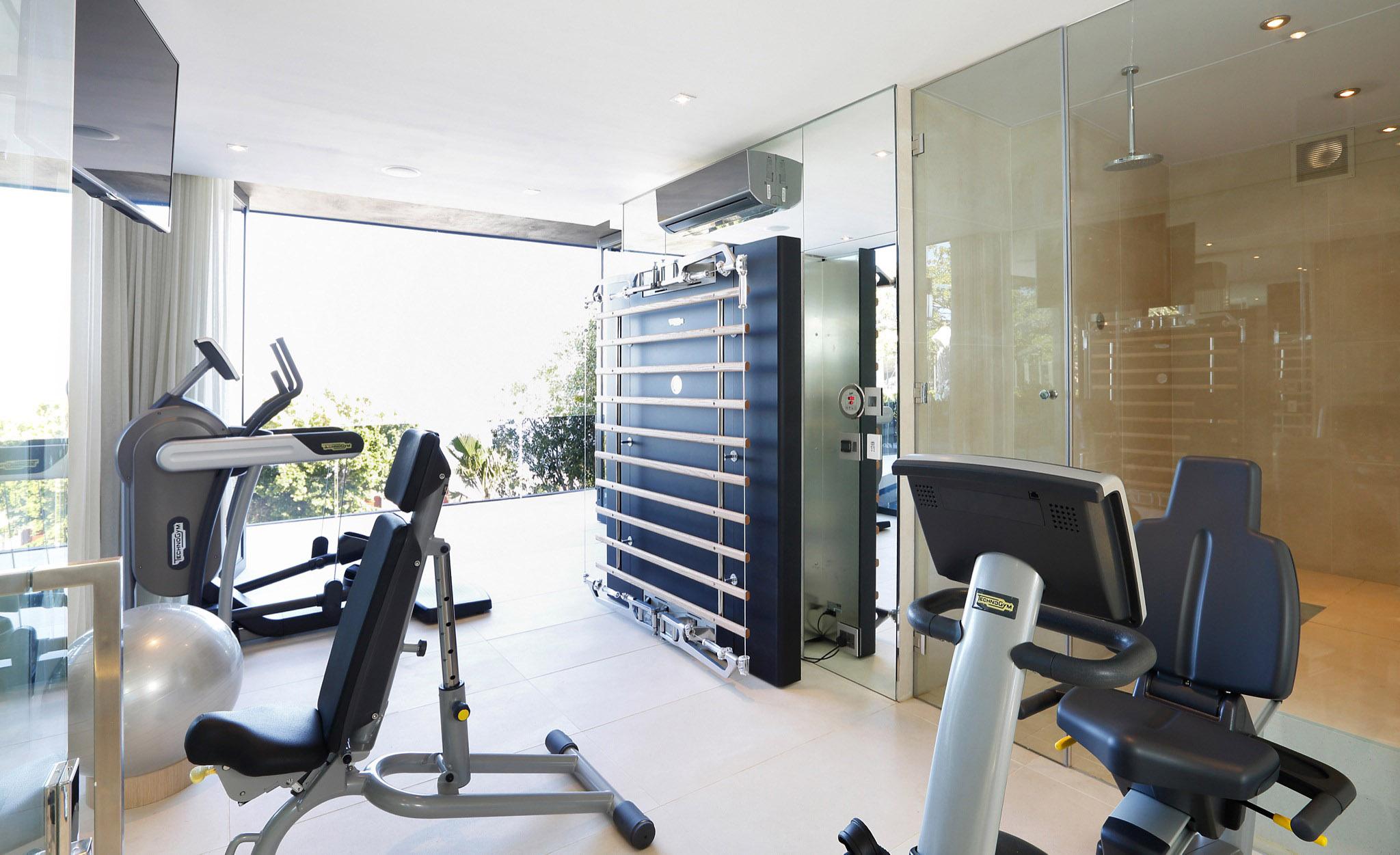 04 gym-1 2048.jpg