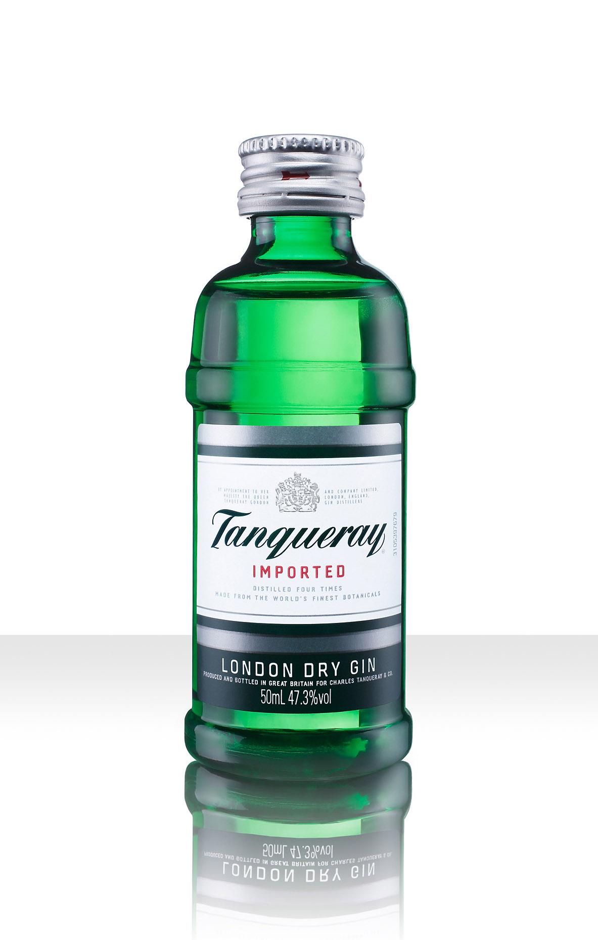 Gin mockup 2048.jpg