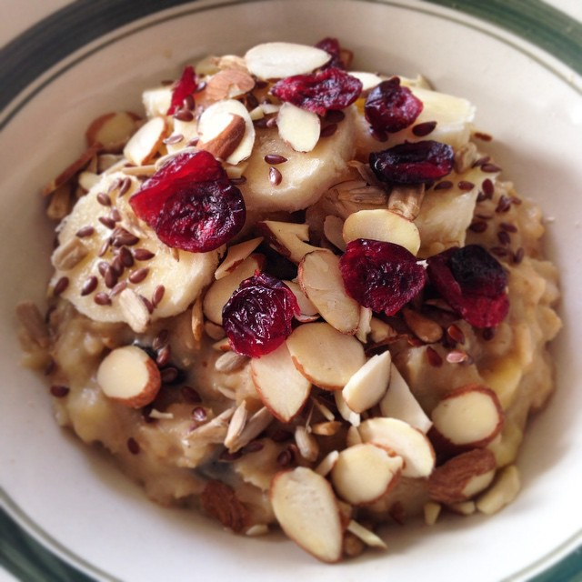 Buttermilk Almond Oatmeal