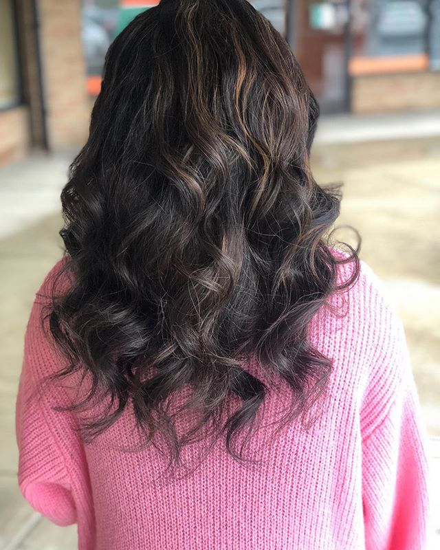 holiday highlight ready! adding dimension and lightening up for spring. shampooed and styled with awapuhi wild ginger to help with moisture and shine! color and style done by @rachellemyarnell  @hairendipity_rachelle @paulmitchellohiowv #ohiohairstylist #ohiohair #614hair #614hairstylist