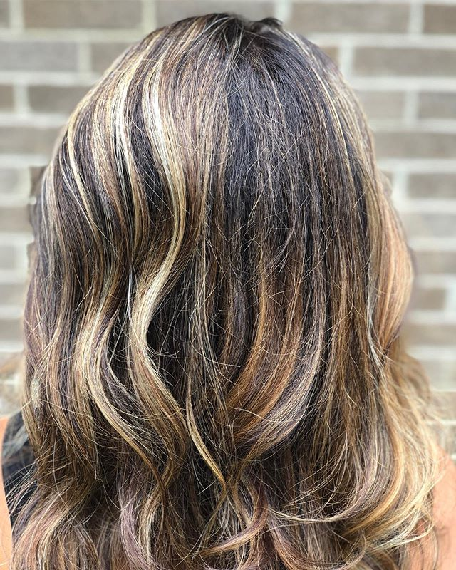 summer highlights done by @rachellemyarnell . come sit in her chair this week. she would love to brighten your day @salon_institute_columbus @paulmitchell @paulmitchellohiowv #columbushairstylists #dublinohio #ohiohair #balaygeombre