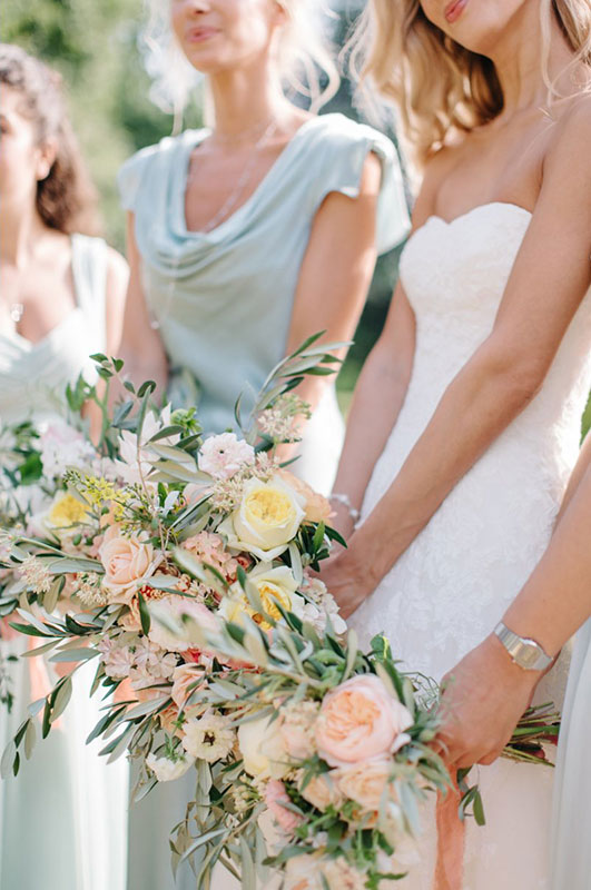 pastel coloured bridal flowers for a summer wedding in cheltenham