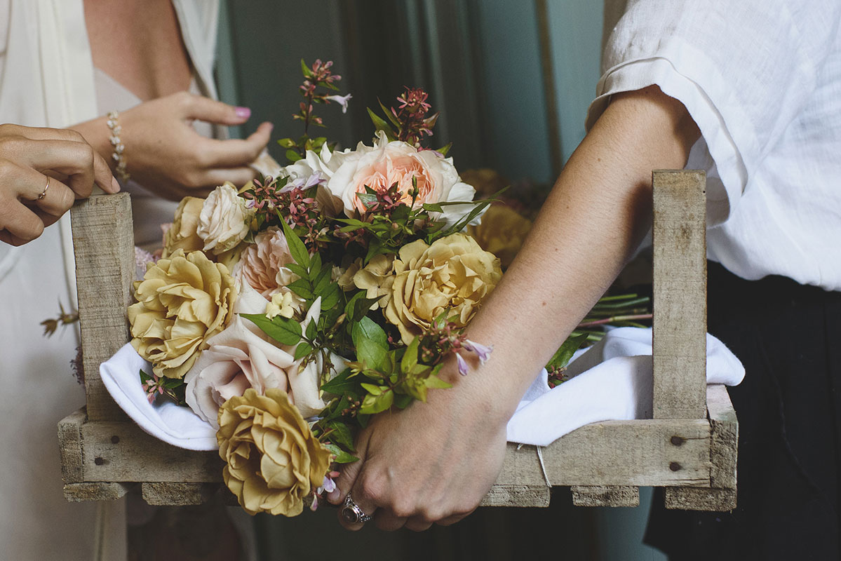 unique gold and pink bridal flowers for a wedding in France