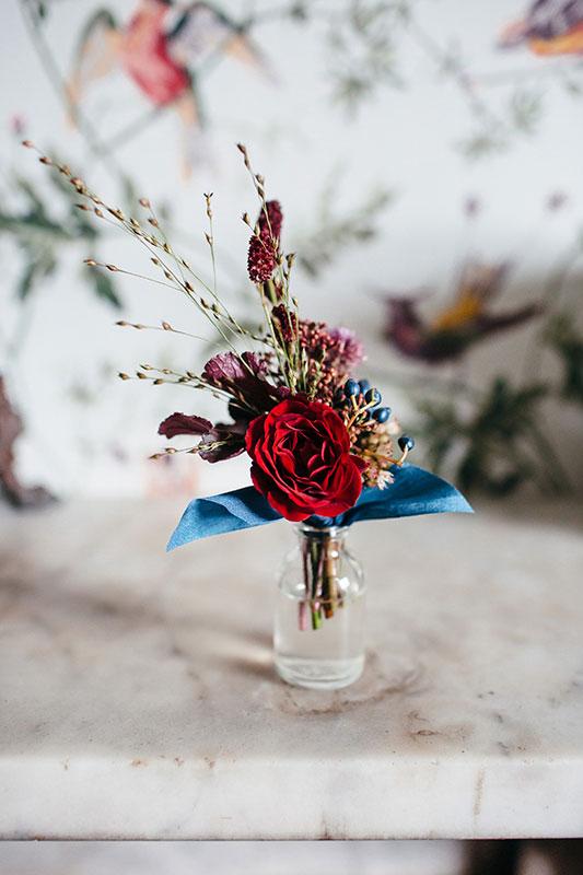 autumnal buttonholes for a unique wedding