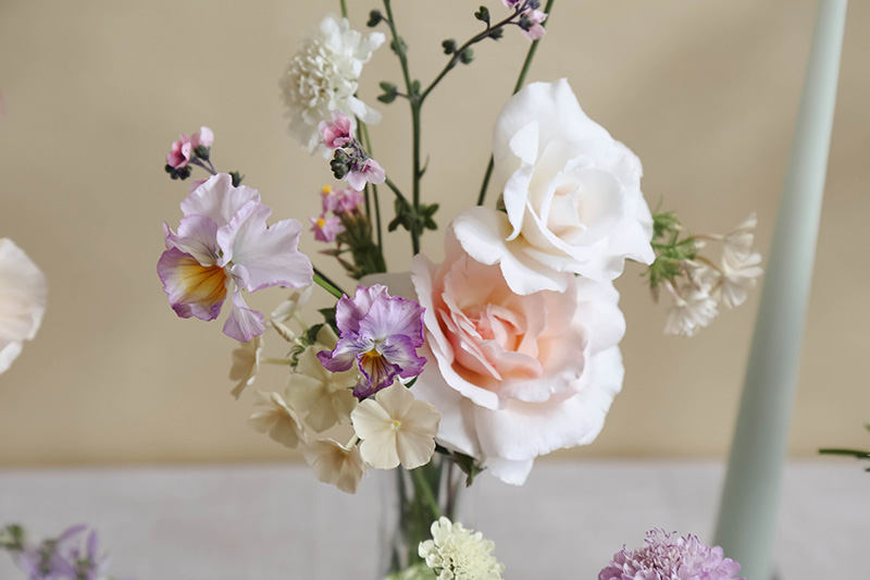 vervain-summer-wedding-table-flowers-09.jpg