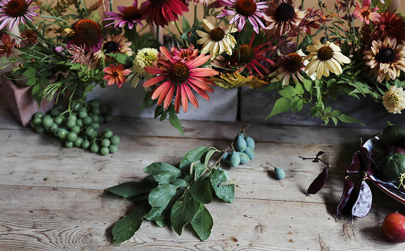 Vervain styling and event design, curating an autumnal tablescape.