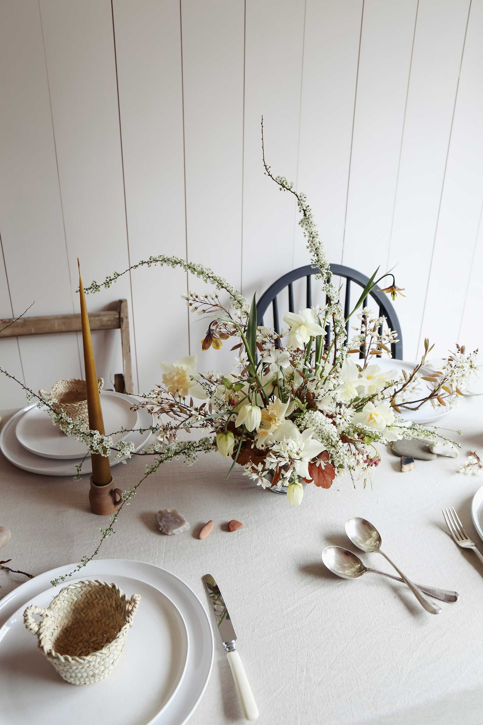 vervain-spring-wedding-flowers-uk-tablecentre-smaller01.jpg