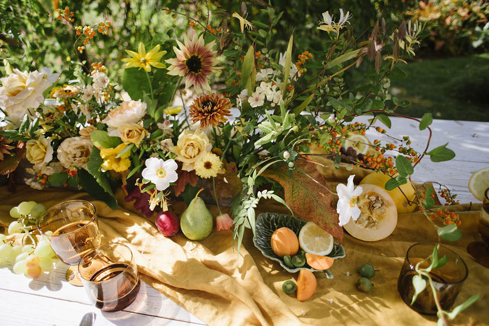 vervain-table-flowers-yellow-wedding-02.jpg